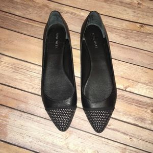 Nine West black pointed toe flats size 11